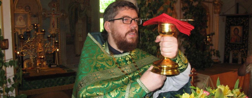 Праздничные богослужения в День Святой Пятидесятницы